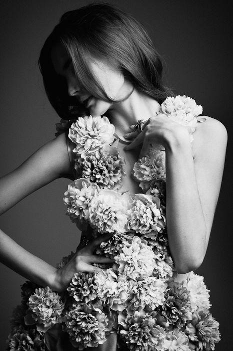 Photo: Artur Cieślakowski <br /> Make-up: Kasia Demale<br /> Stylist : Serafin Zieliński <br /> Model:Beata Grabowska /New Age Models<br /> Hair Stylist / Kasia Demale