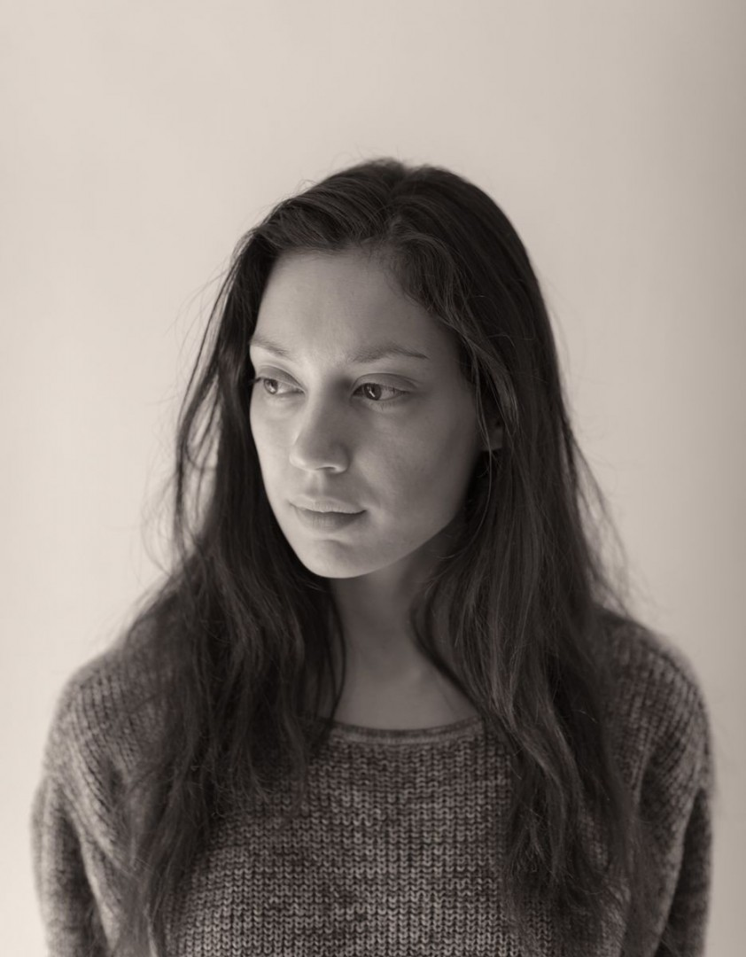 no make-up natural light portrait